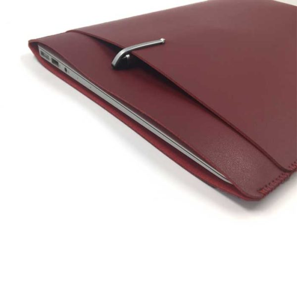 Image of   ULTRA THIN SLEEVE WITH A POCKET 13″ – Red